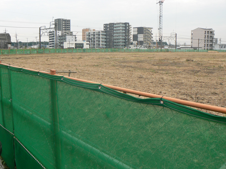 北口駅前広場からから市有地を見通した(西初石方面)ものです(2)