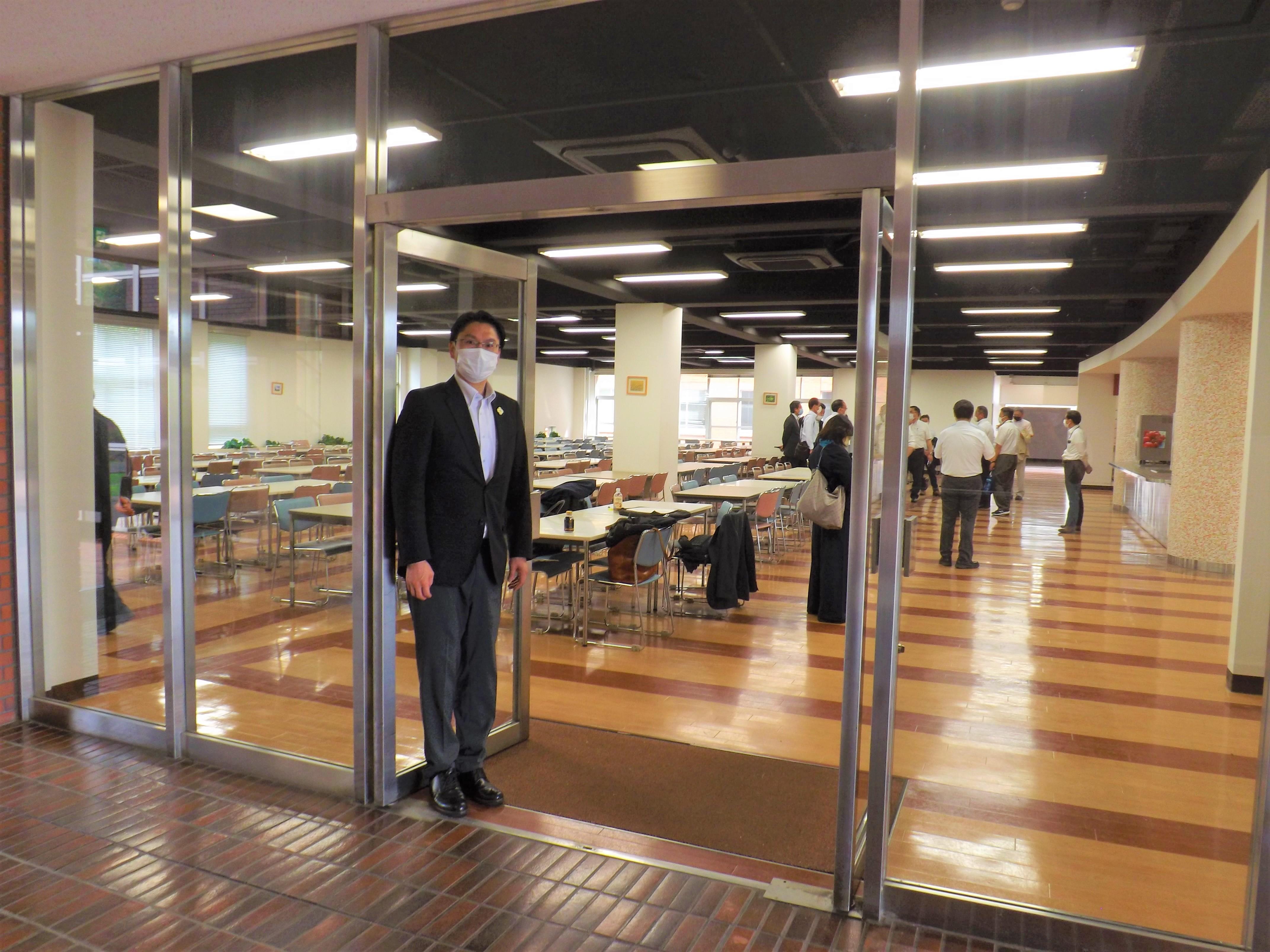 常設型集団接種施設を視察(5月28日東洋学園大学食堂)